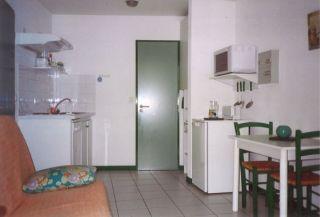 studio-b-1747